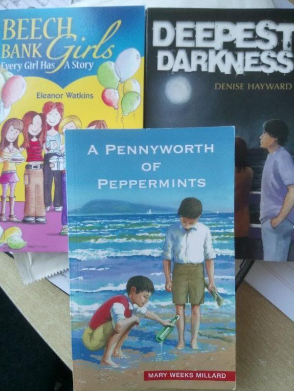 Dernier Publishing books