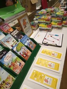 Dernier Publishing stand