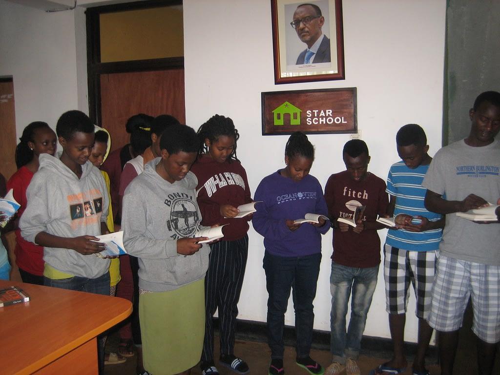 Dernier books in Rwanda