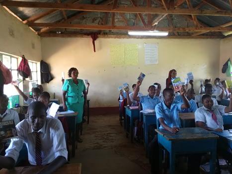Dernier books in school in Kenya
